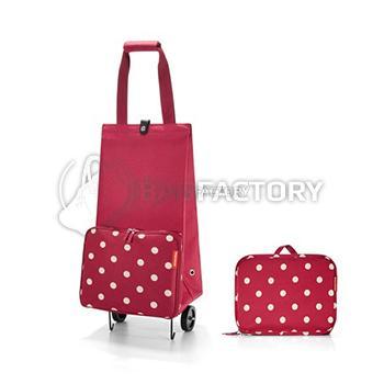 31fb5b72f2f0 Спортивные. Для этих сумок предусмотрены ремни, чтобы носить на плече.  Подойдут женщинам, которые привыкли совершать покупки быстро и опрометчиво.