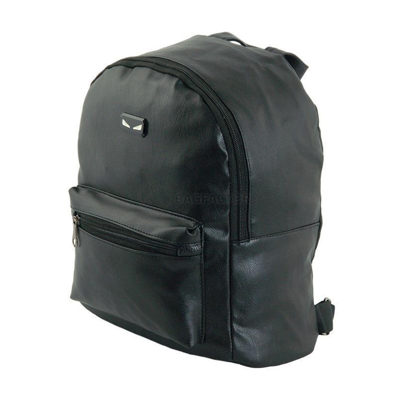 dba5750fa6eb Стильный и вместительный городской рюкзак Traum Черный (7229-55) со всеми  необходимыми современной женщине функциями. Лаконичность и безупречность ...